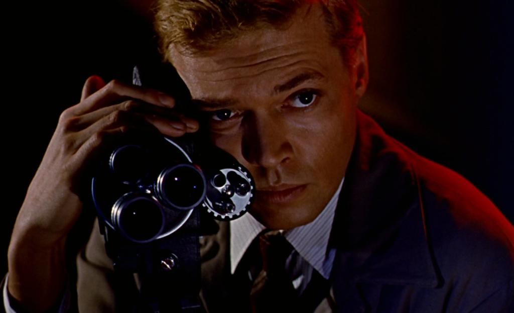 Peeping Tom, Lūriķis