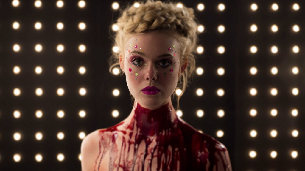 The Neon Demon, Neona dēmons